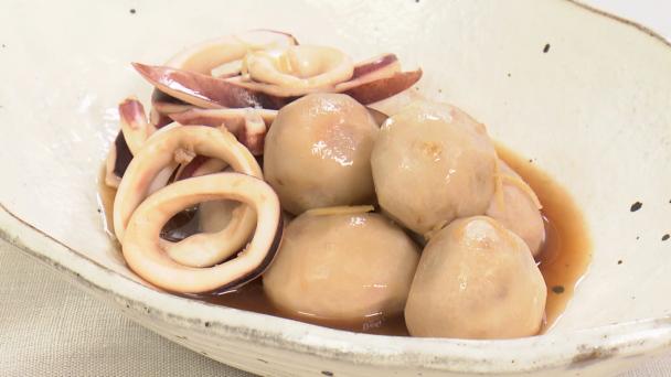 と の 里芋 煮物 イカ